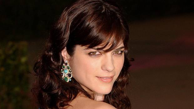 Selma Blair has multiple sclerosis gets Life Insurance?
